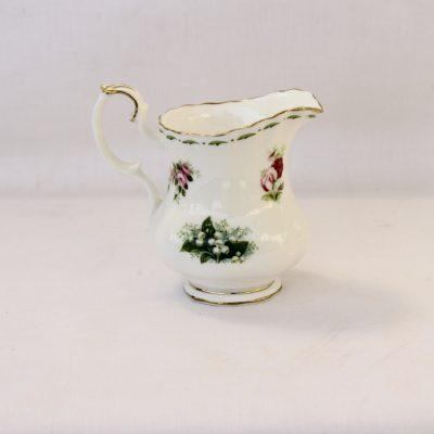 Γαλατιέρα σερβιρίσματος μικρή Royal Albert Flower of the month