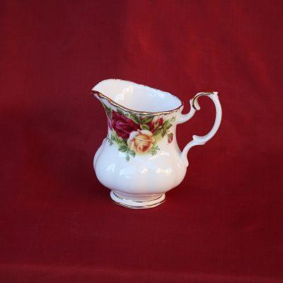 Γαλατιέρα μικρή πορσελάνης Royal Albert Old Country Roses