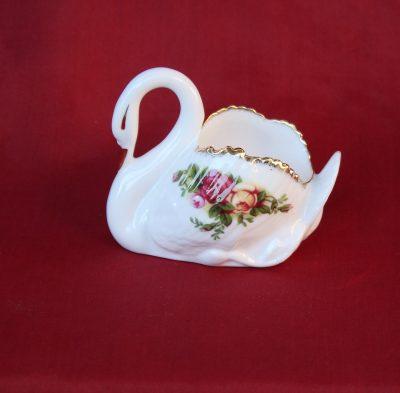 Κύκνος διακοσμητικό από πορσελάνη Royal Albert Old Country Roses