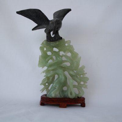 Αετός σε κλαδί διακοσμητικό από Ημιπολύτιμο λίθο Jade