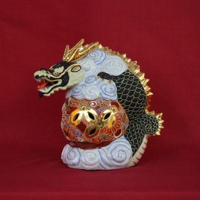 Δράκος μαύρος ιερό σύμβολο της Ιαπωνίας από Πορσελάνη Kutani