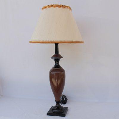 Μεταλλική λάμπα Ιταλική Επιτραπέζια με ανάγλυφο καπέλο